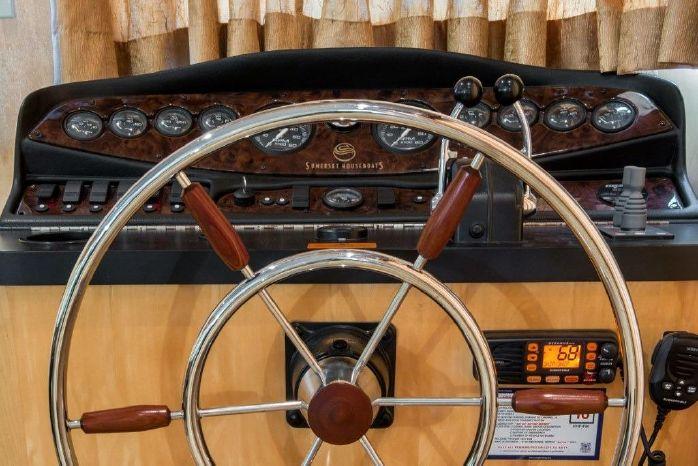 2005 Sumerset 90 Houseboat Brokerage Brokerage