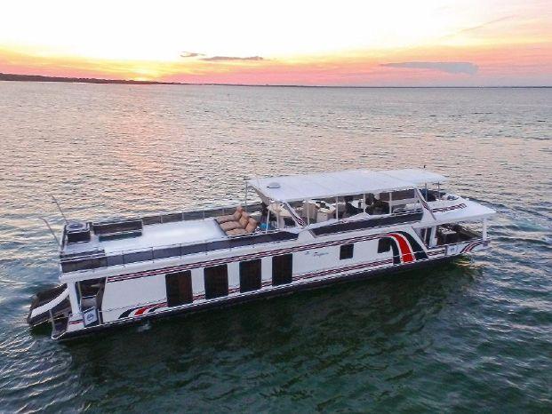 2005 Sumerset 90 Houseboat