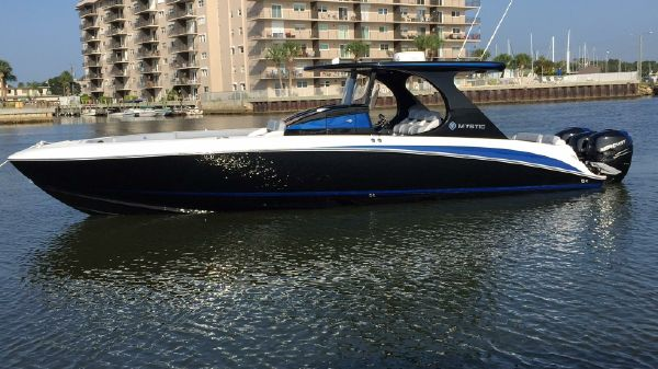 Mystic Powerboats M3800