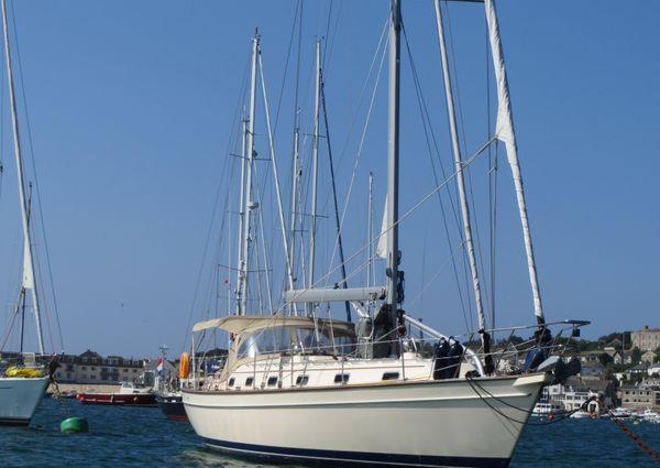 Island Packet 440 image