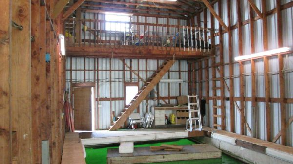Boat House 60' with large well