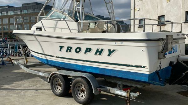 Bayliner Trophy 2052