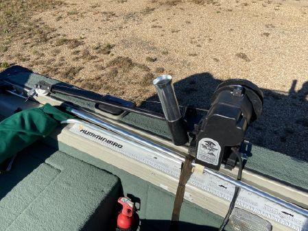 Tracker Pro Deep V-17 image