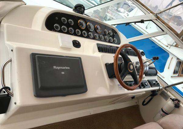Cruisers Yachts 4450 Express Motoryacht image