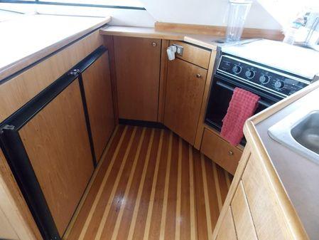 Bayliner 3988 Command Bridge Motoryacht image