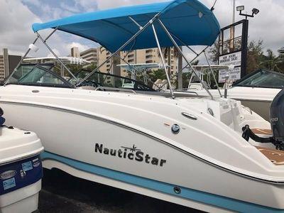 2018 NauticStar<span>243 DC</span>