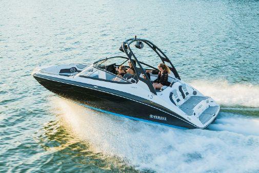 Yamaha Boats 212SD image