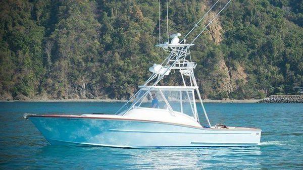 Maverick Yachts Costa Rica 36 Walkaround