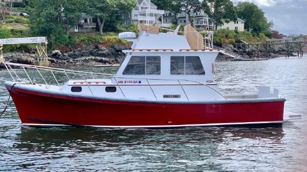 Eastern 31 Casco Bay Flybridge