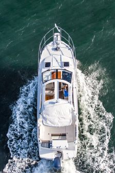 Cutwater C242 Sport Coupe image