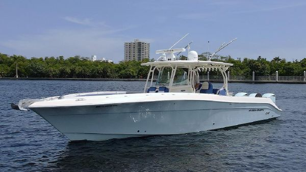 Hydra-Sports 42 Center Console 4200 SF