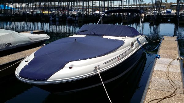 Sea Ray 240 SD