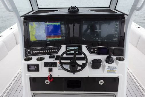 Sea Fox 368 Commander image