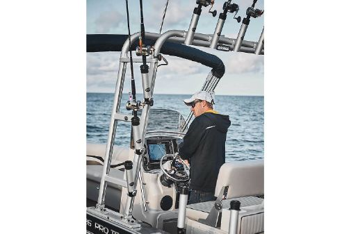 Angler Qwest 824 Pro Troll Deluxe image