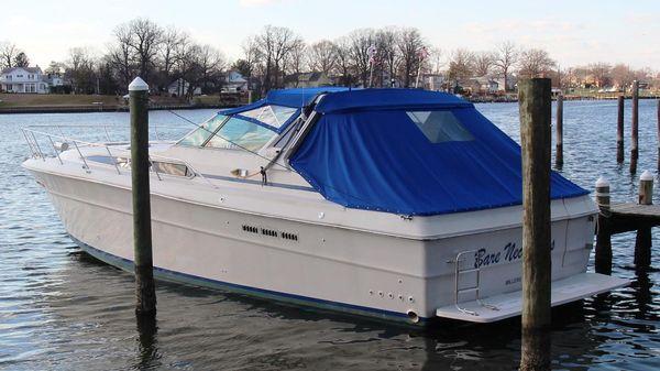 Sea Ray 390 Express Cruiser Sea Ray at Dock