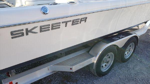 Skeeter 2550 Family image