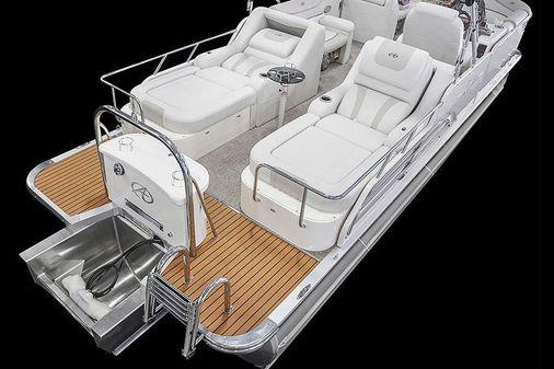 Avalon Ambassador Rear Lounge - 27' image