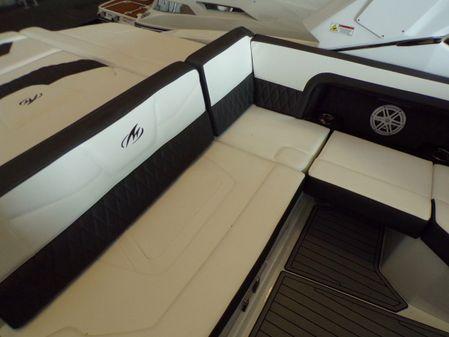 Monterey 305 Super Sport image