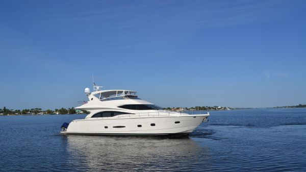 Marquis Flybridge Motor Yacht Family Time