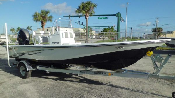 Frontier 2104 Meridian Powered By a Yamaha Vmax SHO F150 4-Stroke Outboard Motor …