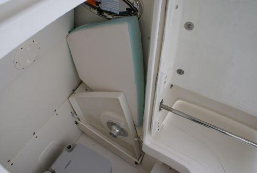 Robalo 230 Center Console image