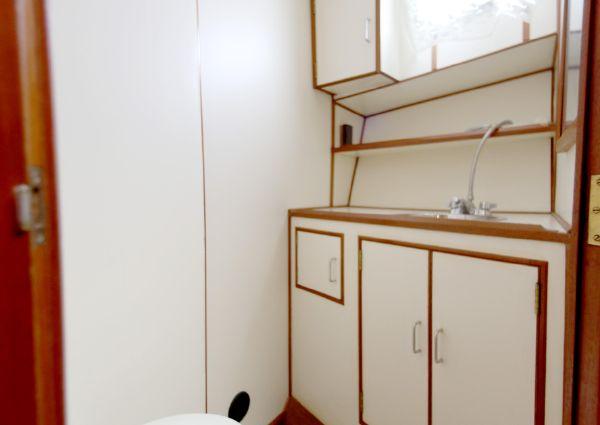 Ocean Alexander 38 Double Cabin image
