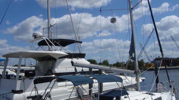 Hunter 326 2002 Hunter 326 Starboard Side
