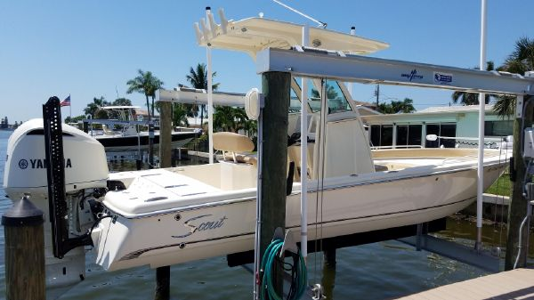 Scout Boats 251 XS
