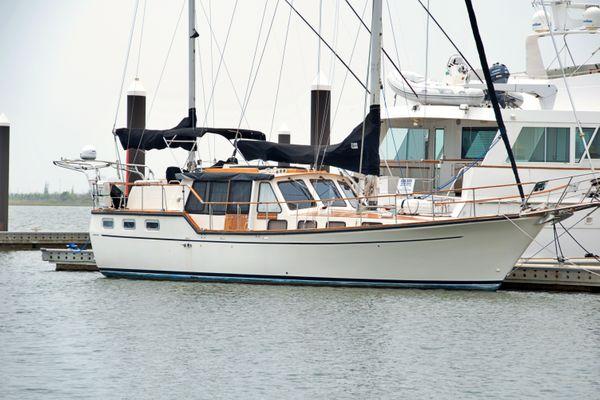 Nauticat 44 Motorsailer - main image