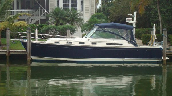 Sabreline 36 Express Beautiful Downeast Yacht