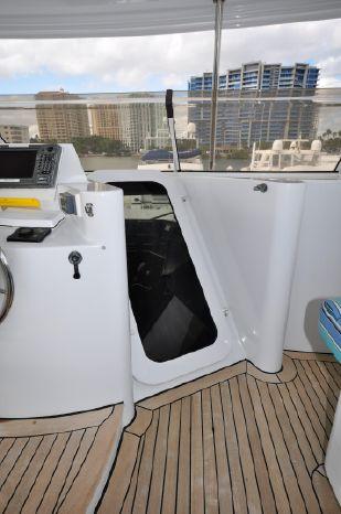 2001 Custom Luxury Motor Yacht Sell Broker