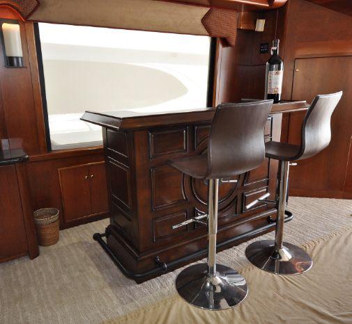 2001 Custom Luxury Motor Yacht Broker Buy