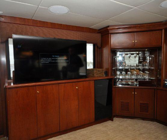 2001 Custom Luxury Motor Yacht Broker Broker