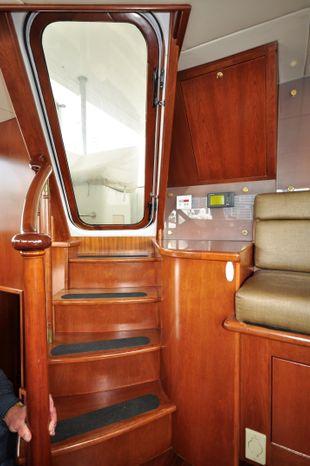 2001 Custom Luxury Motor Yacht Broker Rhode Island