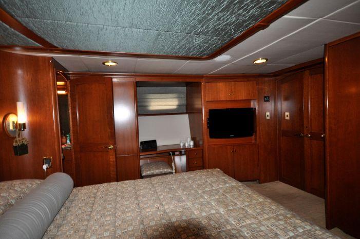 2001 Custom Luxury Motor Yacht Brokerage Connecticut