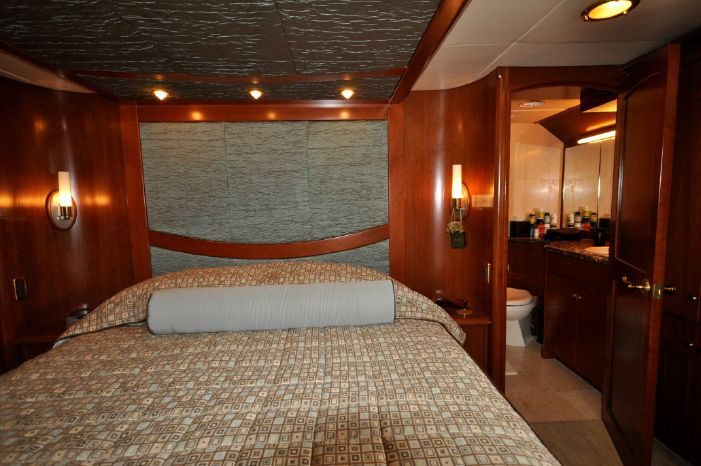 2001 Custom Luxury Motor Yacht Brokerage Massachusetts