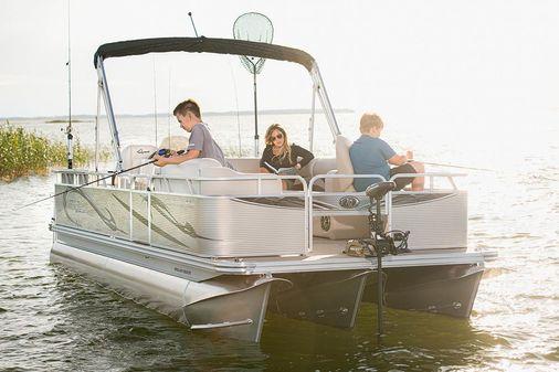 Angler Qwest 824 Family Fish LT image