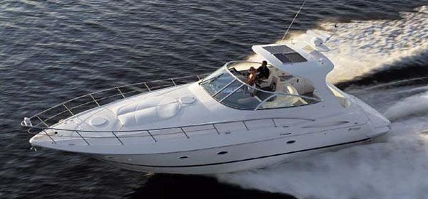 Cruisers Yachts 4370 Express image