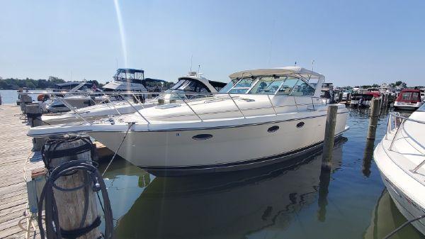 Tiara Yachts 35 Express