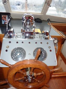 Matthews Flushdeck Motoryacht image