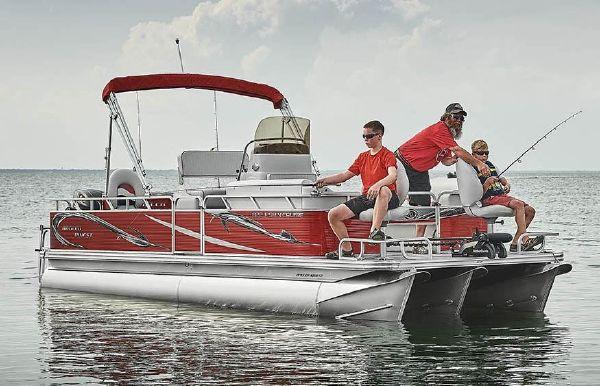 2020 Angler Qwest 822 FISH N CRUISE