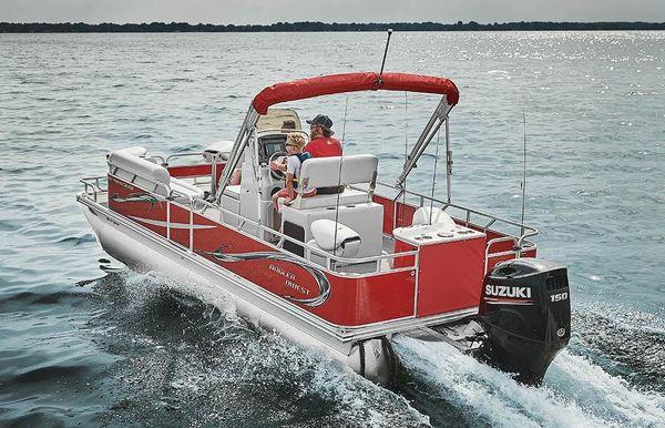 2020 Angler Qwest 820 Fish N Cruise