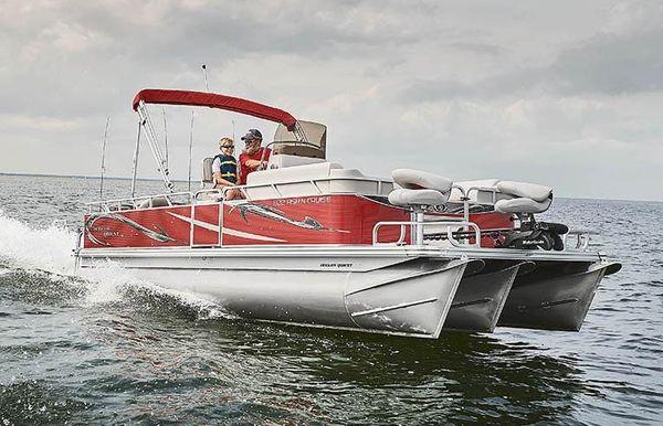 2020 Angler Qwest 818 Fish N Cruise