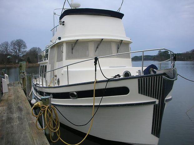 2004 Nordic Tug Flybridge