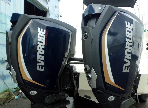 2015 Evinrude E-TEC G2 300hp 25