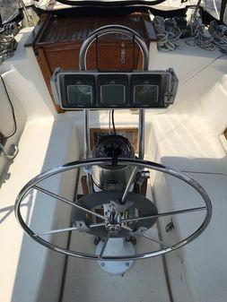 Pacific Seacraft Crealock 37 image