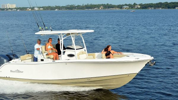 NauticStar 28XS Dealer demo