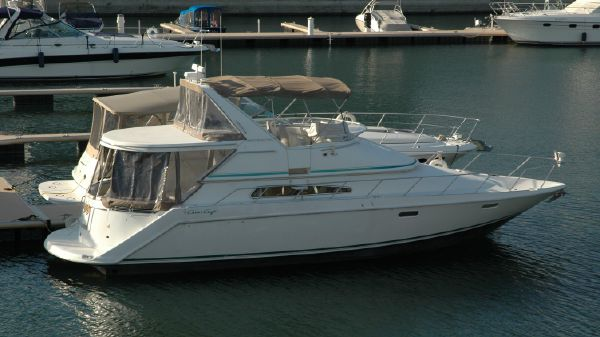 Chris Craft 421 Continental Starboard