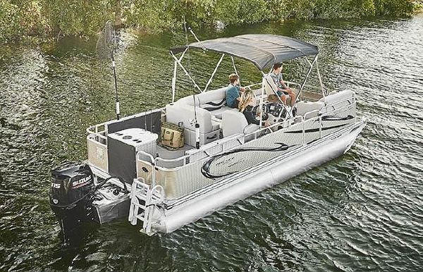 2020 Angler Qwest 822 Family Fish LT