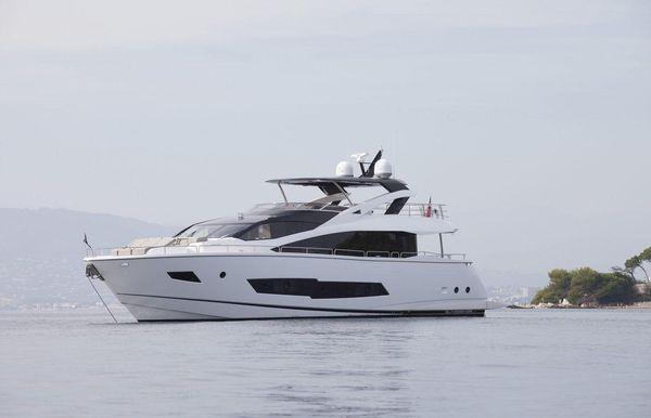 2021 Sunseeker 86 Yacht